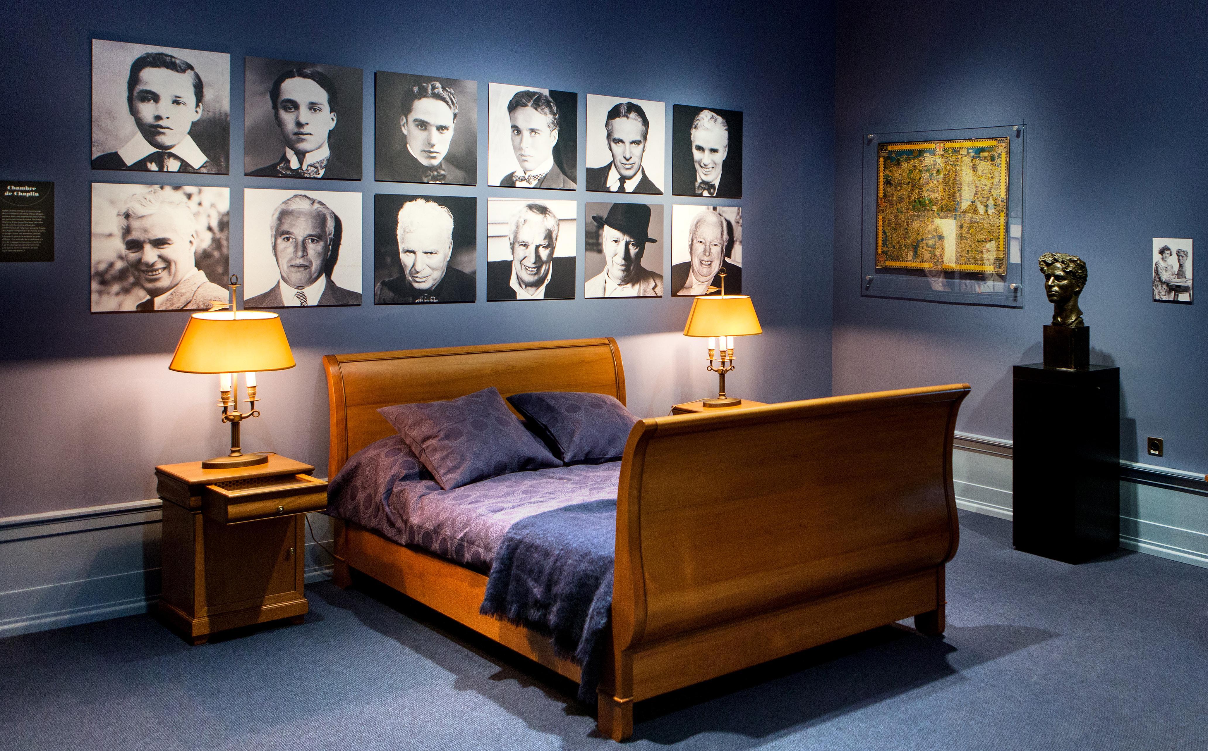 chambre de chaplin chaplin 39 s world. Black Bedroom Furniture Sets. Home Design Ideas